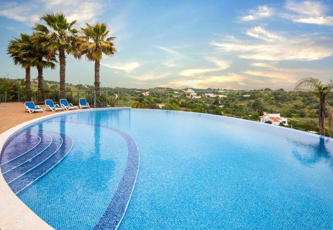 Apartamento em Lagos - Pool & Sea View Apartment